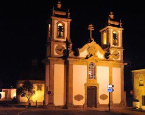 Igreja Matriz de Fafe à noite