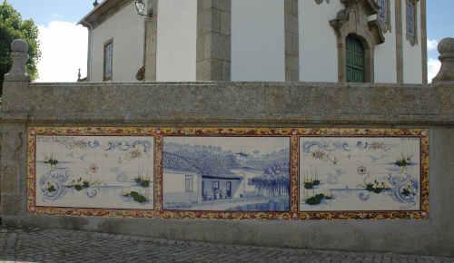 Painel de azulejos Casa de Oliveira Salazar