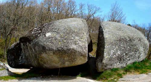 Pedra bolideira em Chaves Portugal