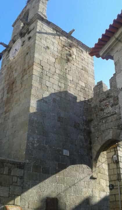 Porta da Vila e Torre Sineira do Sabugal medieval