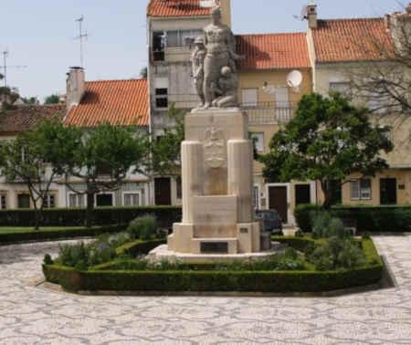 Jardim da República em Abrantes - Monumento dedicado aos desaparecidos na Batalha de La Lys em 1918