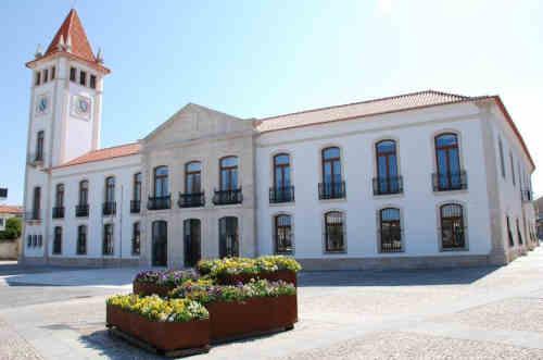 Centro da cidade de Cantanhede - edifício da câmara municipal