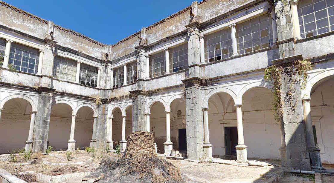 Convento do Carmo em Moura - Imagem interior (claustros)