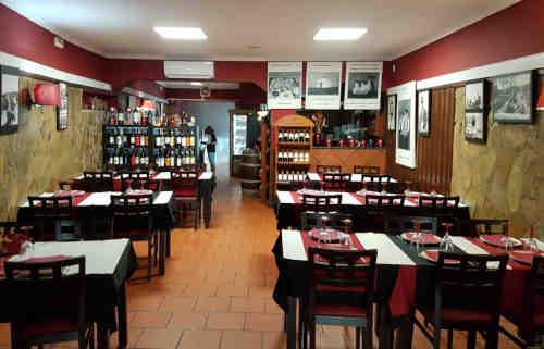 Restaurante O Vermelhudo em Moura - Vista da sala de jantar