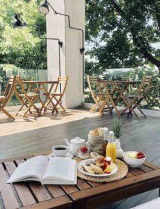 Lamego Hotel - Mesa da esplanada no jardim