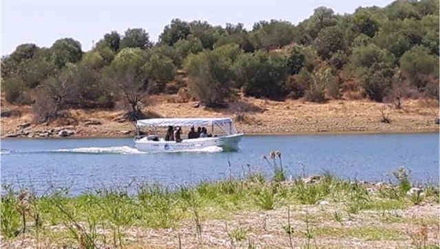 Passeio de barco pelo Alqueva, em Reguengos de Monsaraz