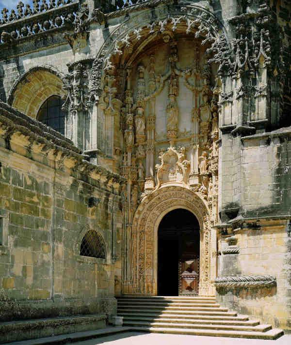 Portal principal do Convento de Cristo