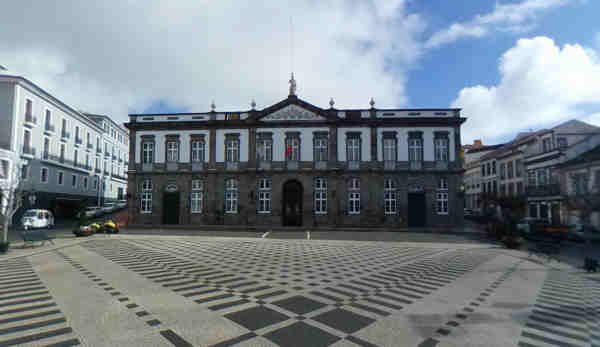 Praça Velha, centro histórico de Angra do Heroísmo