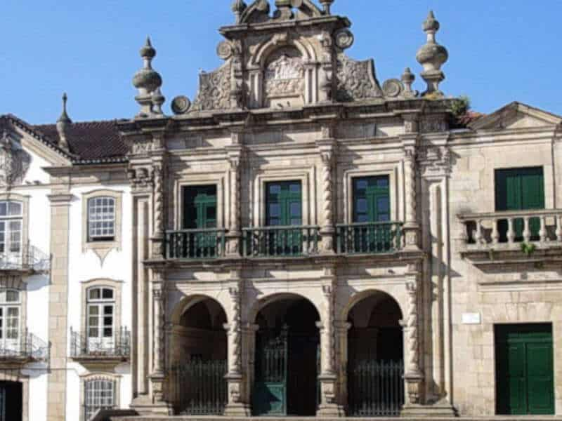 Fachada principal da Igreja da Misericórdia de Chaves