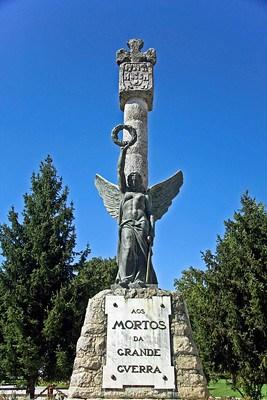 Pormenor da estátua que homenageia os portalegrenses caídos durante a Primeira Guerra Mundial