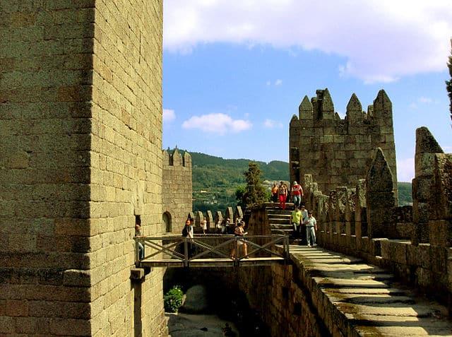 Acesso à Torre de Mengagem do Castelo