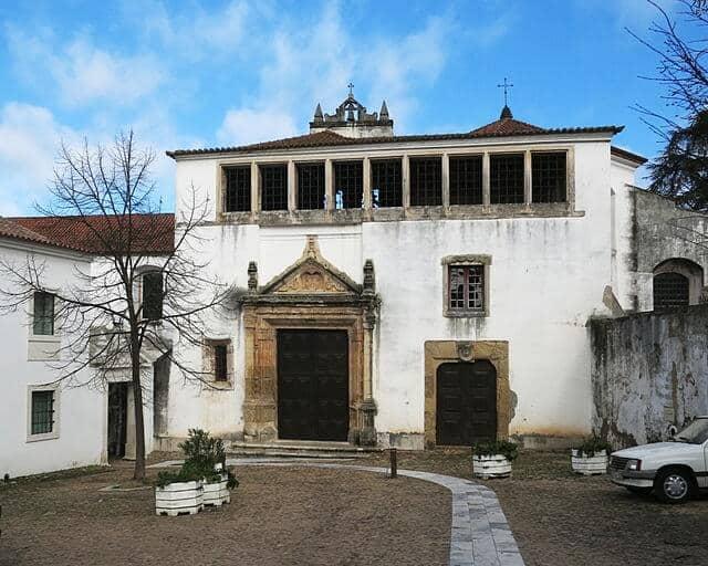 Frontaria do mosteiro e igreja