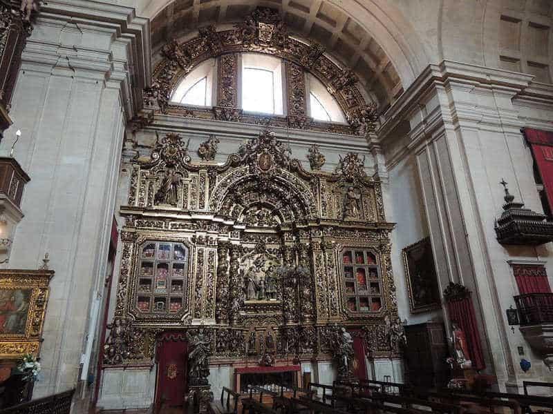 Altar Lateral na Igreja da Sé Nova de Coimbra