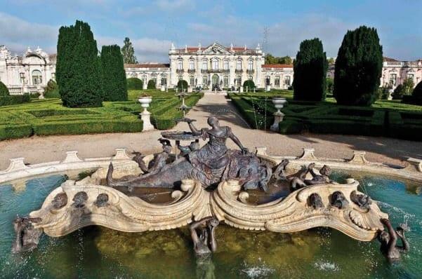 Fonte no jardim do Palácio Nacional de Queluz