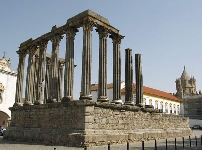 Templo Romano de Évora, também conhecido por Templo de Diana